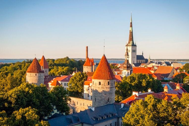 Tallinn-shutterstock_415211.jpg