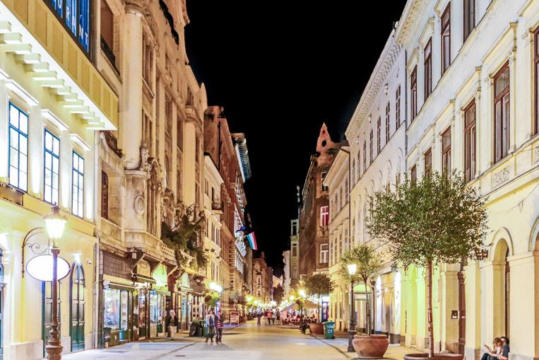 Budapest-Streets-415754896.jpg