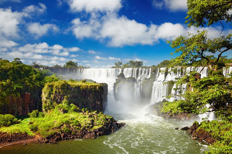 Iguassu-Falls-Fotolia_43312.jpg