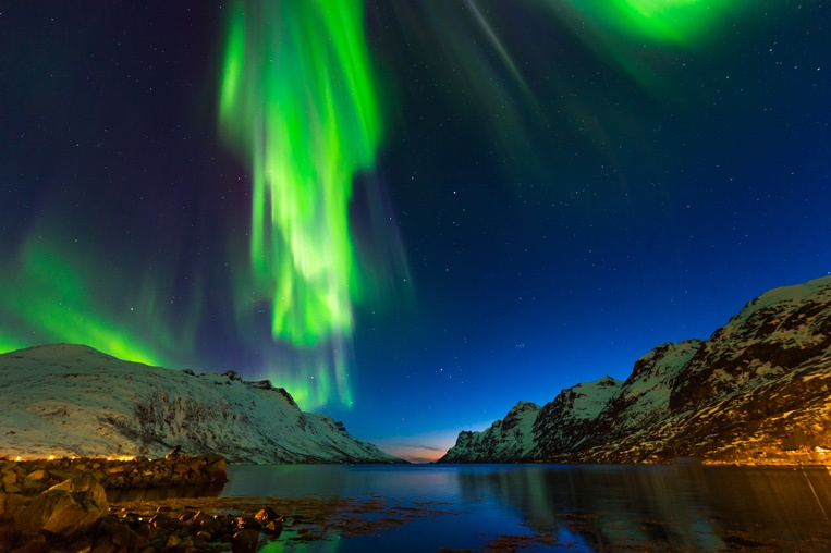 Polar-Lights-shutterstock_4.jpg