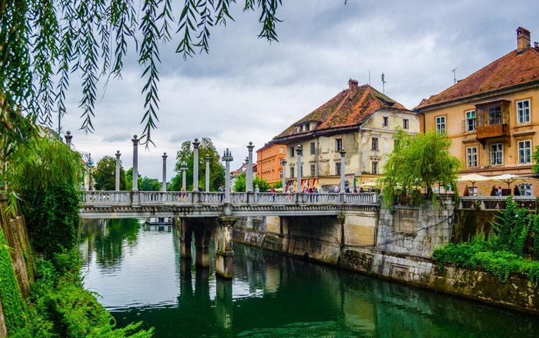 Ljubljana-shutterstock_3941.jpg