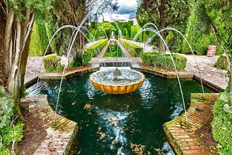 Granada-Generalife-Gardens-shutterstock_419980120