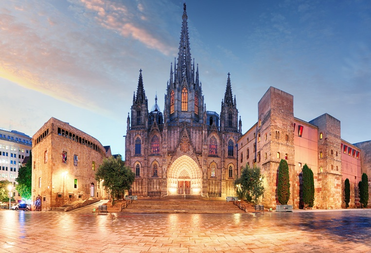 Things to do in Spain: Barcelona Highlights - Gothic Quarter