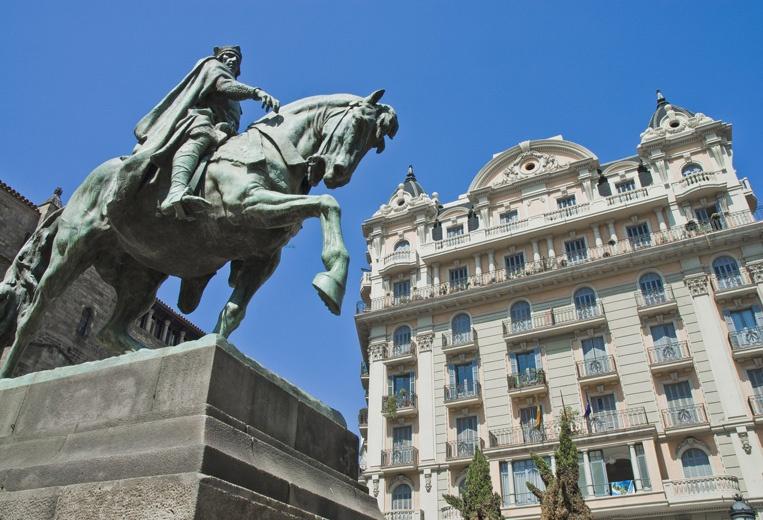 Things to do in Spain: Barcelona Highlights - Via Laietana