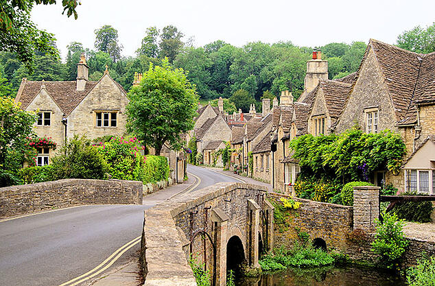 cotswold village combe iStock-177096616 760x500