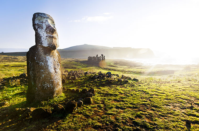 easter island chile shutterstock_120441169WEB