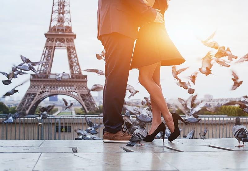 paris romance shutterstock_319813007blog